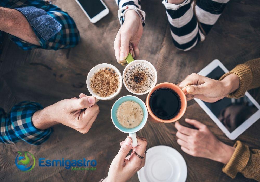 beber café reduce las enfermedades del hígado